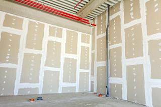 instalación y preparación de paneles de yeso para la construcción comercial